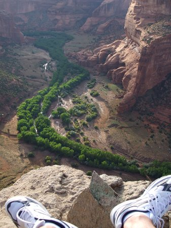 Canyon de Chelly National Monument: Sitting right on the edge