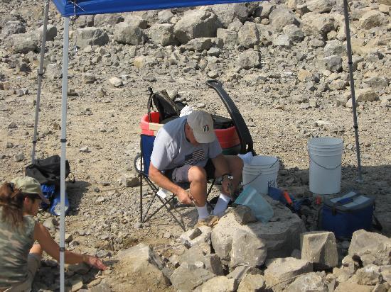 Herkimer Diamond Mines : Dad cracking rocks