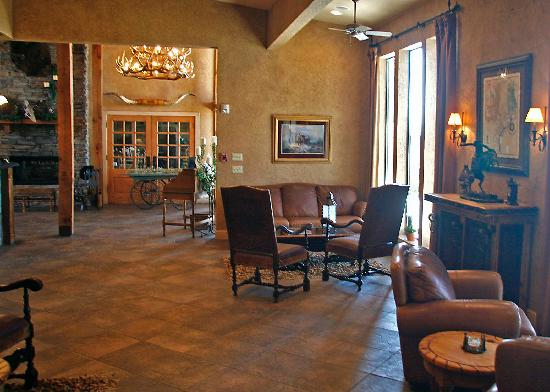 Ray Roberts Lake State Park: Lantana Lodge lobby