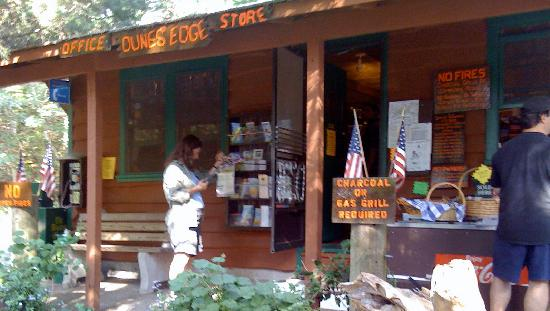 Dunes' Edge Campground: Dune's Edge Office and Store