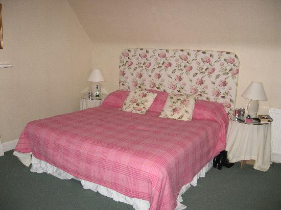 Muckrach Country House Hotel: Main bedroom in Castle Suite