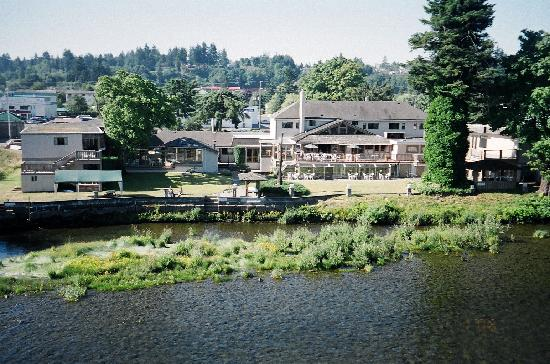 Riverside Inn: View of the Lodge from the River