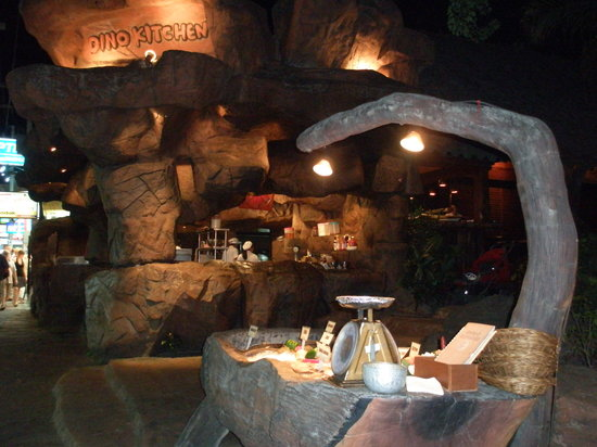 Dino Park Mini Golf: Dino Kitchen