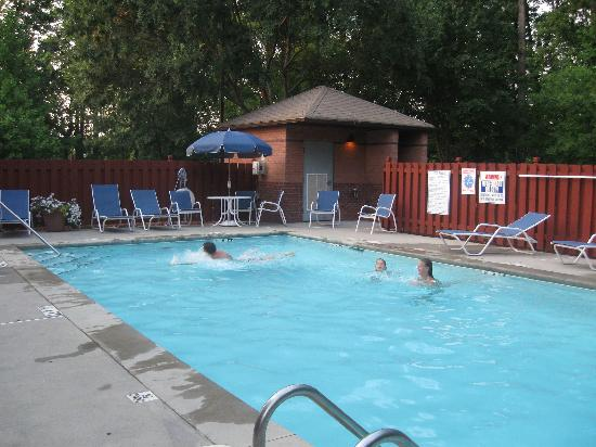 Extended Stay America - Atlanta - Kennesaw Chastain Rd.: pool at Studio Plus-very nice!