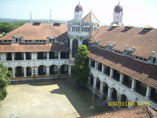 Semarang, Indonesia: corner lawang sewu from tower