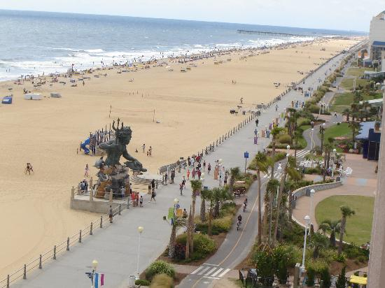 Hampton Inn Virginia Beach Oceanfront North South View W Neptune Statue