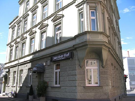 Hotel Jakober Hof: entrance of main building