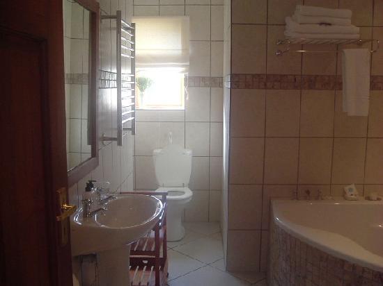 A Tuscan Villa Guest House: Bathroom