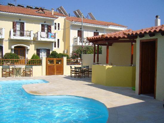 Sunrise Hotel Ireon Samos: Pool