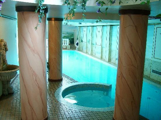 Hotel Splendid Palace: The indoor pool