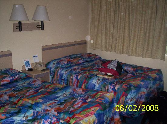 Motel 6 Yreka: Double beds in our room