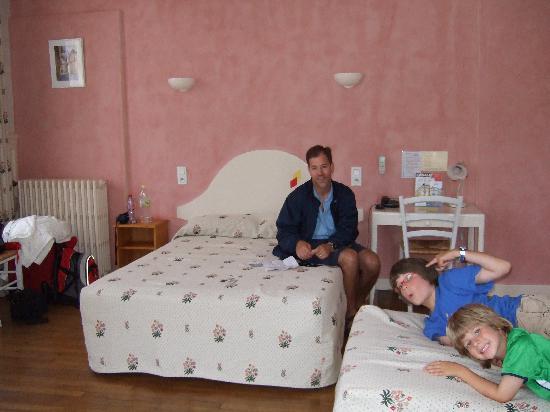 Hotel Arlequin : Quad room