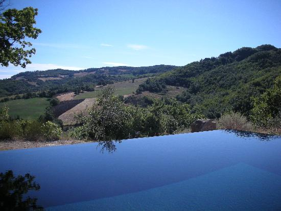Torre di Moravola: View from Pool