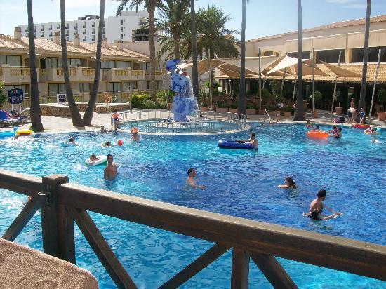 Royal Son Bou Family Club: piscine et logements