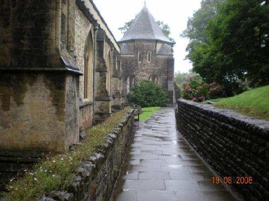 Llandaff Cathedral: Walking the grounds