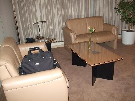 Casa Grande Suites: Living Room - 32