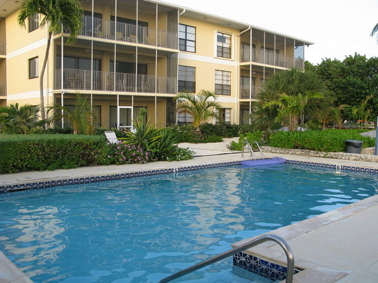 The Anchorage Condominiums: Pool