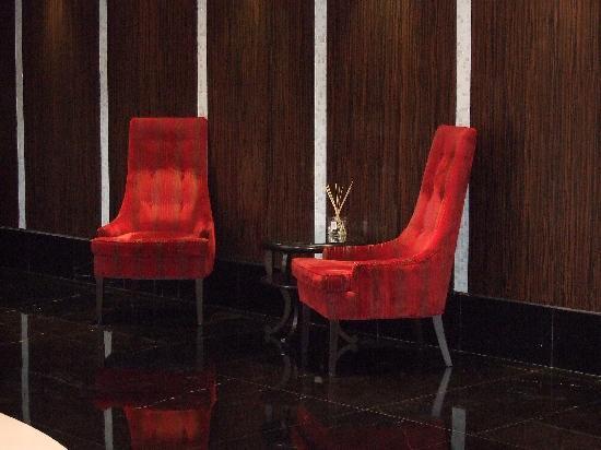 L'Hermitage Hotel : hotel lobby