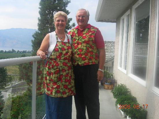Apple Blossom Bed & Breakfast: Jeanette & John, our wonderful hosts