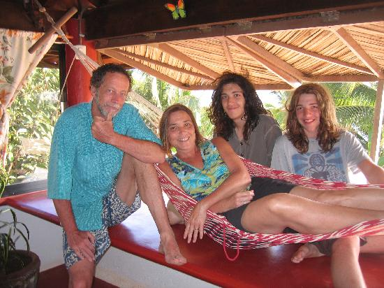 Casa Delfin Sonriente: OK, the hammock only fits one at a time...