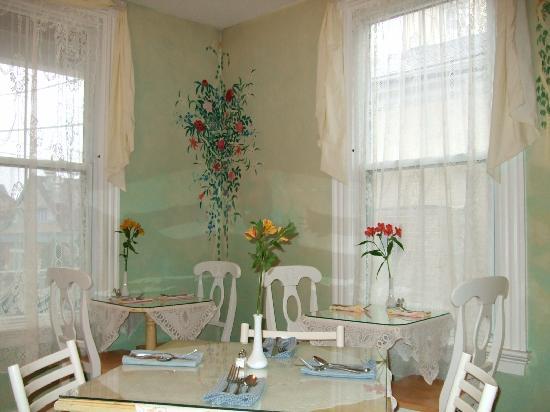 Admiral Fitzroy Inn: the breakfast room