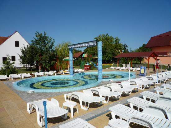 Wellness Hotel Katalin : Childrens paddling pool