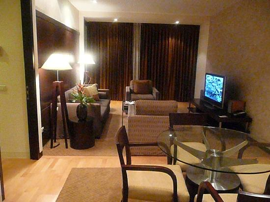 Emporium Suites by Chatrium: Living room