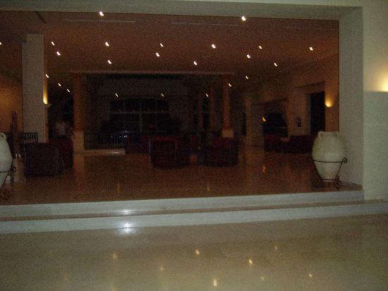 Zephir Hotel & Spa: hall de l'ôtel