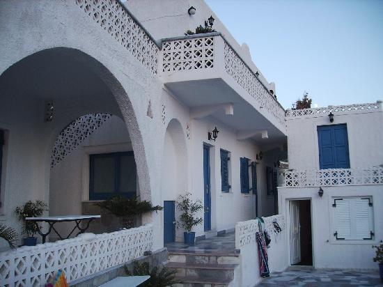 Mina Beach Hotel: parte esterna dell'hotel