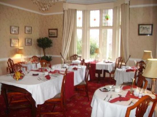 The Grey House Hotel: Breakfast room
