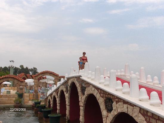 Club Hotel Sera: the bridge