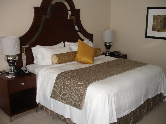 L'Hermitage Hotel : WONDERFUL bed in king deluxe room
