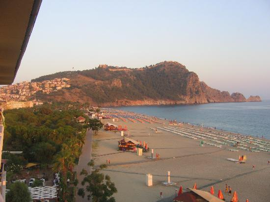 Azak Beach Hotel: From the left of our balcony!
