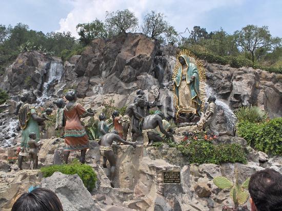 Mexico City, Mexiko: Jardines Templo de la Virgen de la Guadalupe
