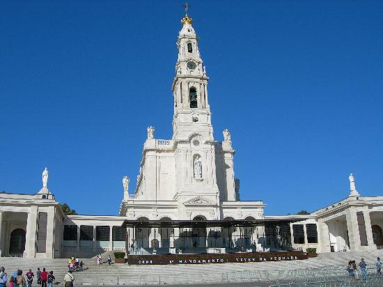 Basilica of Nossa Senhora do Rosário de Fátima: The main basilica