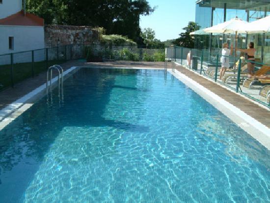 Parador de Turismo de La Granja: Swimming pool