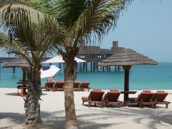 Jumeirah Dar Al Masyaf at Madinat Jumeirah: Blick auf den Strand & Pierchic Rest.