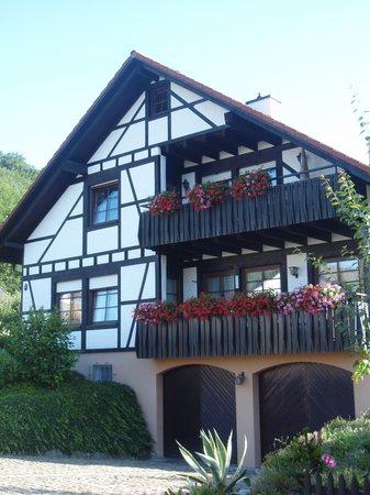 Baden-Württemberg, Tyskland: Tipica Casa en la Selva Negra