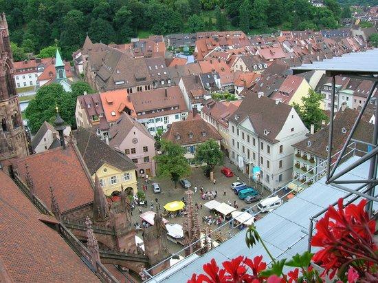Baden-Württemberg, Tyskland: Vista de Friburgo desde la Torre de la Catedral
