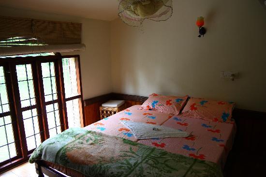Gowri Residence: habitacion dentro del kettuvalam