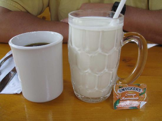 Dana's by the Gorge: This is what $2 milk looks like