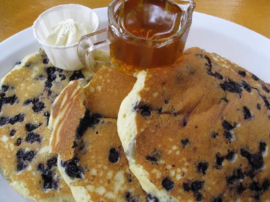 Dana's by the Gorge: Yummy blueberry pancakes