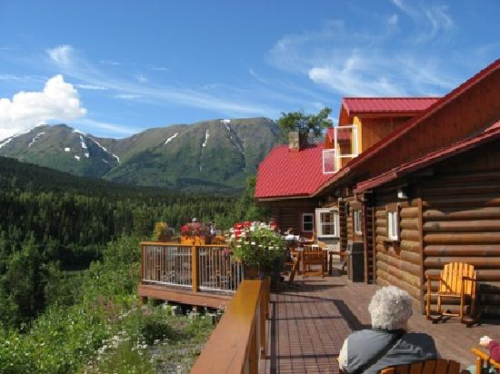 Kenai Princess Wilderness Lodge: Coffe break from their lovely deck