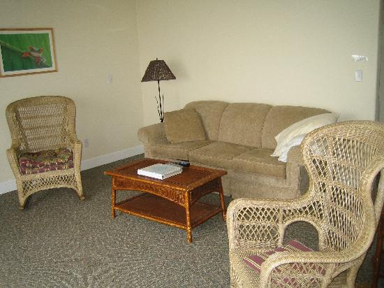 The Tides Inn of Shelter Cove: 2nd Floor mini suite