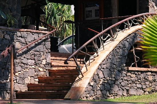 Paia, HI: Stairs from parking area down to Mama's Fish House