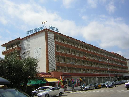 Hotel Esplendid: Vista desde la calle