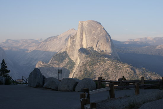 Parque Nacional de Yosemite, CA: Evening at glacier point