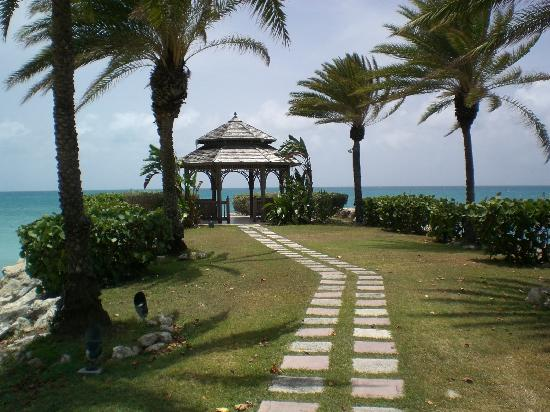 Blue Waters Antigua: Wedding gazebo & outside massage area