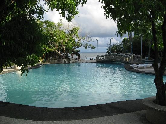 Antulang Beach Resort: Pools
