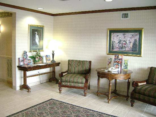 Suburban Extended Stay of Myrtle Beach: Front Lobby